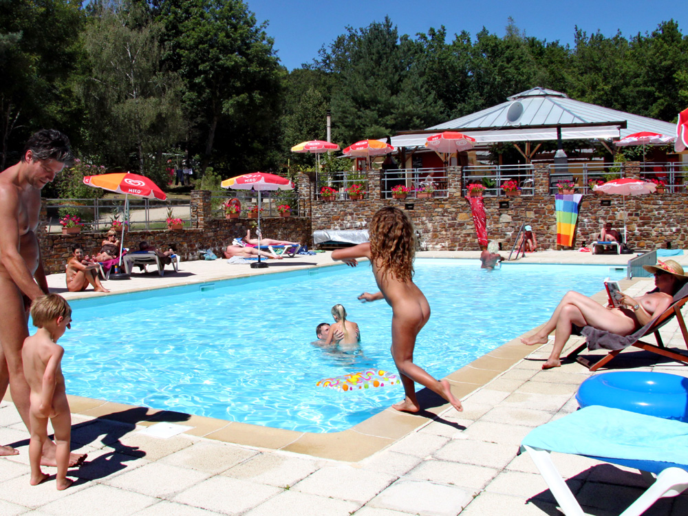 Nudist club france
